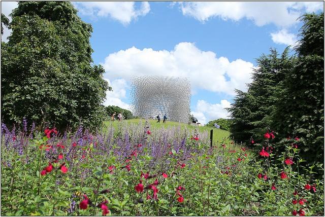 Hive, Kew Gardens, London, Picnic