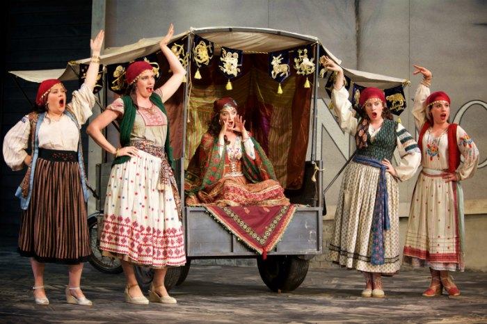 Garsington Opera, Il Turco in Italia, country opera house, opera, Picnic