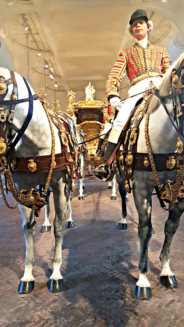 Royal Mews, Buckingham Palace, Diana, The Royal Family , Gold State Coach