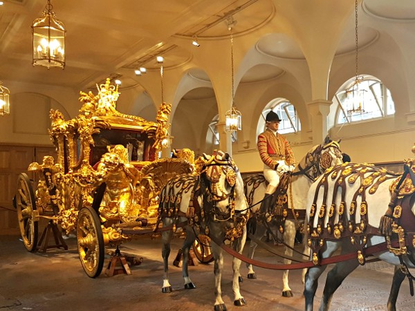 Royal Mews, Buckingham Palace, Diana, The Royal Family, Gold State Coach