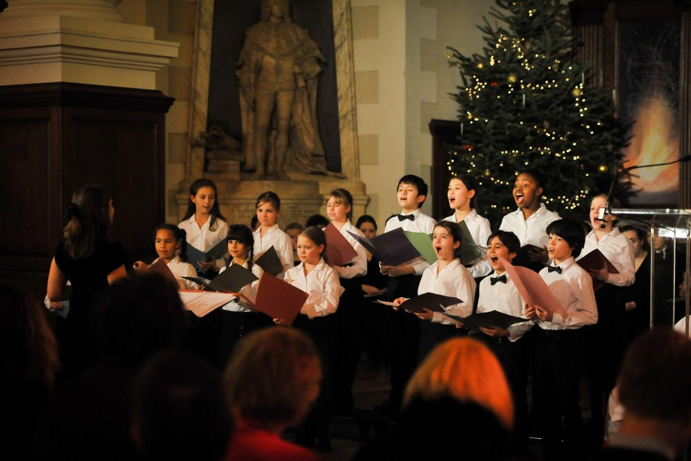 alternative guide to Christmas, Christmas in London 2017, december London, Christmas London shows, christmas carols