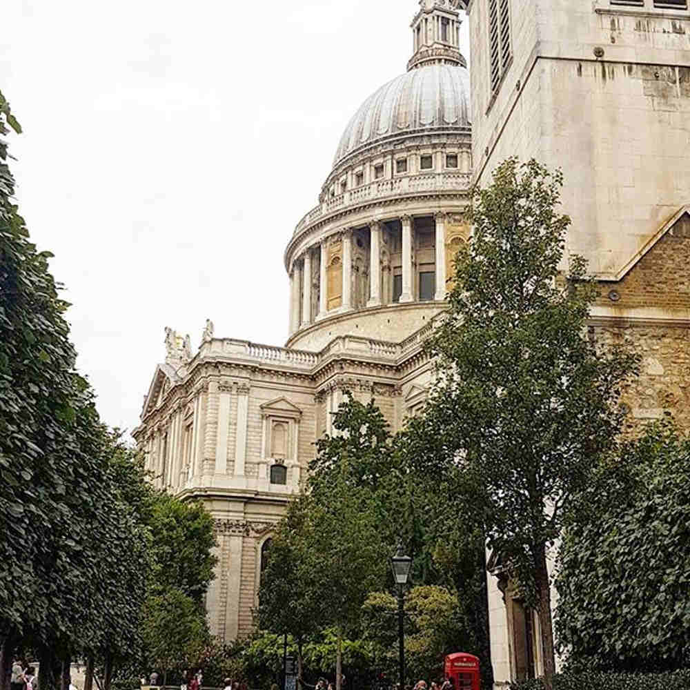 Mary poppins locations London, London one day with kids, kids books set in London, literary london kids, mary poppins film locations, st pauls mary poppins