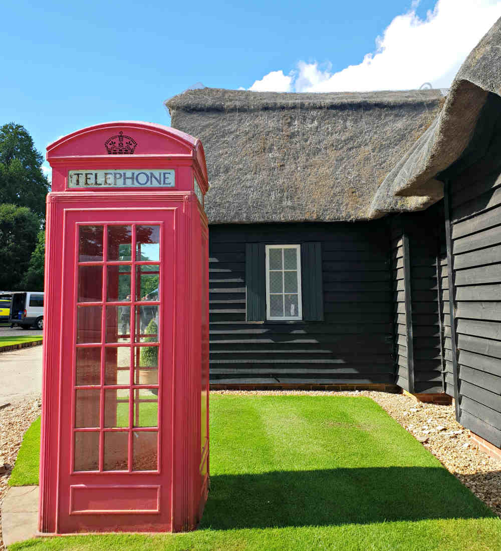 Garsington Opera, Wormsley, red phone box