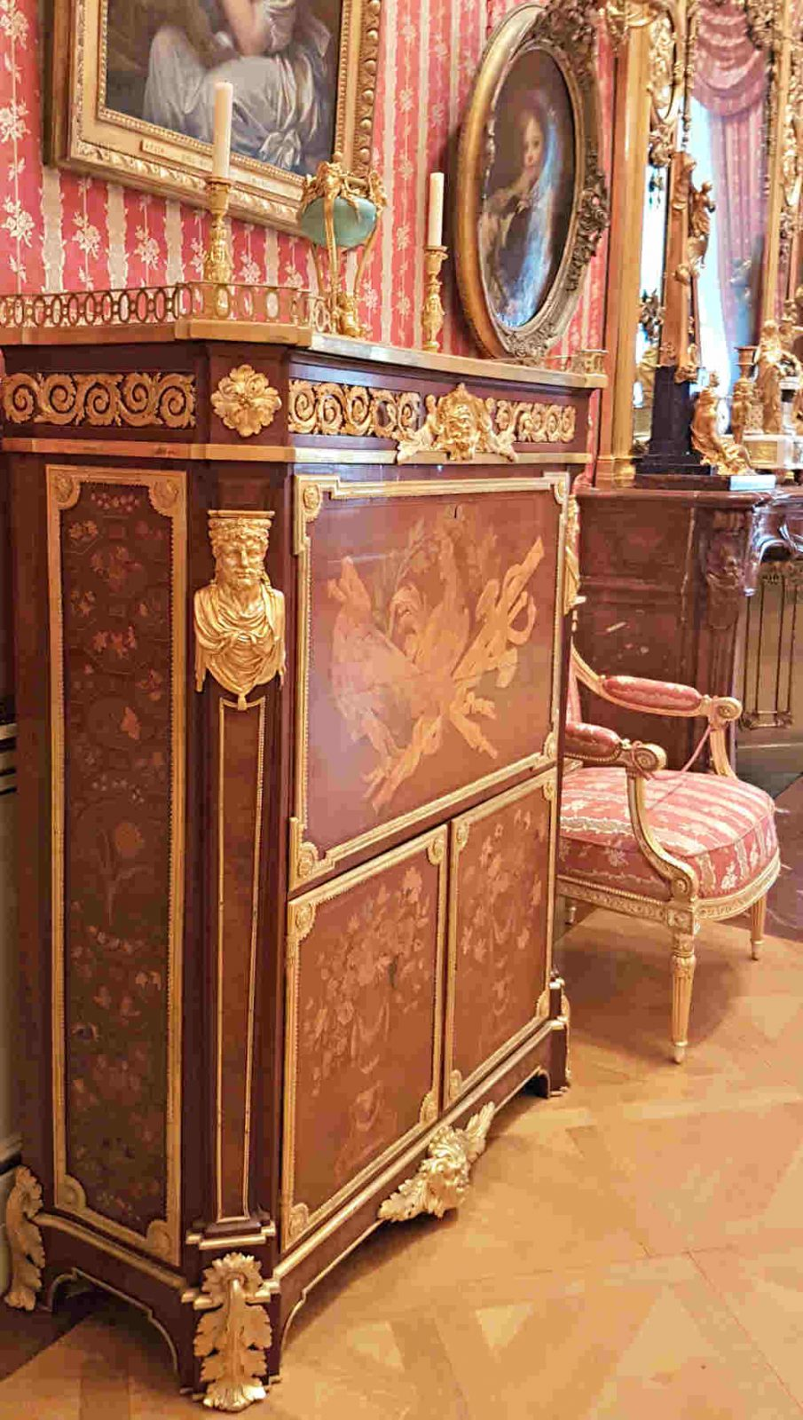 Marie Antoinette furniture at the Wallace Collection London