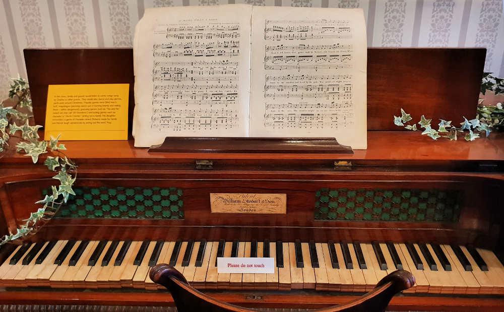Dickens piano, 48 Doughty Street