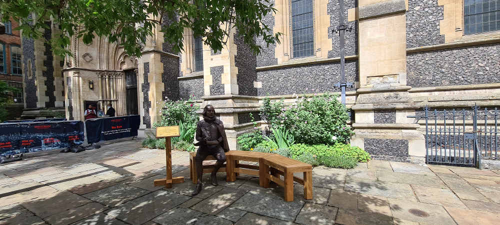 Shakespeare Statue, Southwark Cathedral