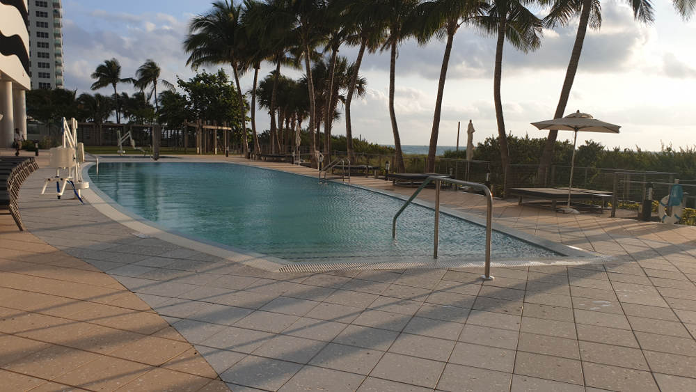 Carillon Miami Ocean Pool