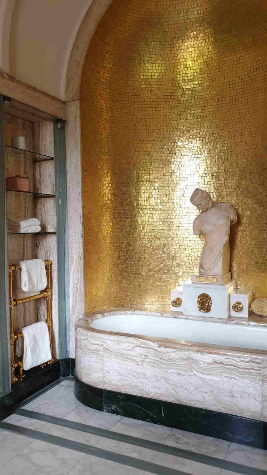 Virginia Courtauld's bathroom at Eltham