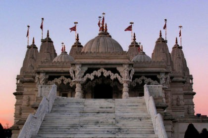 Neasden Temple, Shri Swaminarayan Mandir, what to wear, when to visit