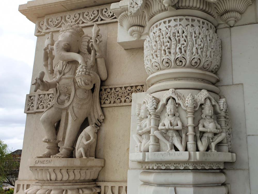 Neasden temple carvings, exterior, architecture