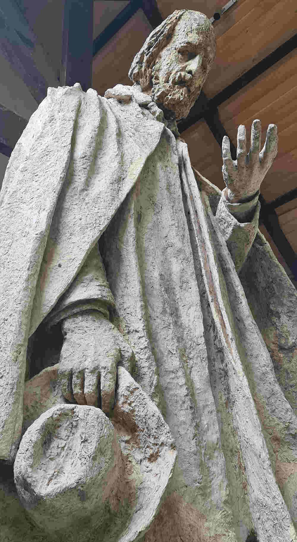 Monument to Tennyson