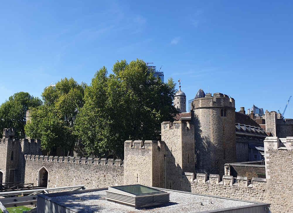 Elizabeth I, Robert Dudley, Tower of London